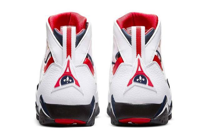乔丹运动鞋有味道 乔丹运动鞋能水洗吗